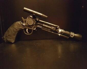 Star Wars bounty hunter/smuggler blaster