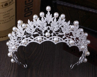 Beautiful Silver Leaf Crystal & Pearl Tiara
