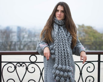 Hand knitted scarf Grey Silver Chunky knit scarf. Wool scarf. Alpaca scarf. Blush scarf. Gift for her. Winter scarf