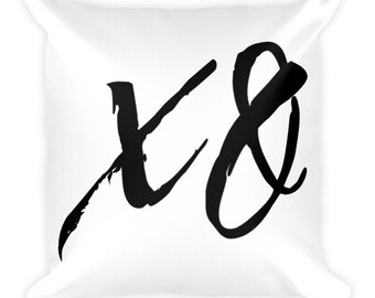 XO - Throw Pillow