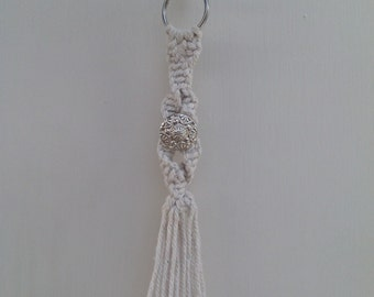 Macrame keyring with vintage button detail