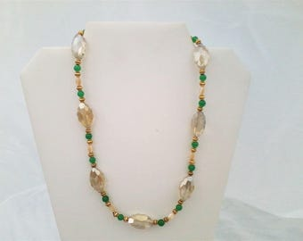 Lace Crystal, Green round, Mother-of Pearl necklace