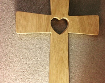 Crucifix wall in natural oak wood with heart