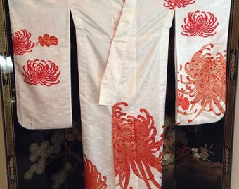 Vintage White Japanese Wedding Kimono w/Red Chrysanthemums