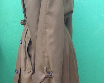 90s vintage Trench coat Trench//90s. Trench. Florentine Trench.