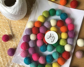Felt ball garland - Bright Rainbow