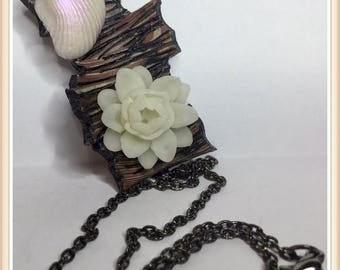 Pulp wood and polymer Lotus necklace!