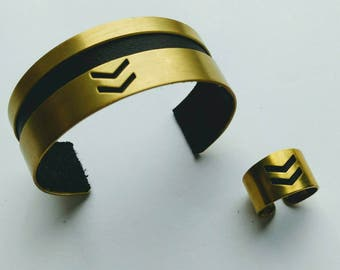 Chevron brass and leather cuff