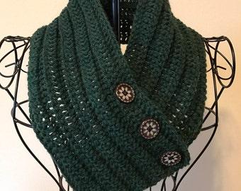Button scarf, button cowl, infinity scarf, knitwear, crochet, wool, neck warmer, green, cold weather wear, handmade