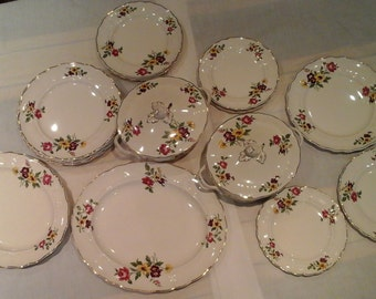 Vintage Gringley Malborough 19-piece Dinner Service in Royal Petal