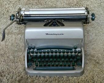 Free Shipping* | Remington Typewriter | Made in USA 1950's | For German Market | QWERTZ Keyboard | In Working Condition | Schreibmaschine