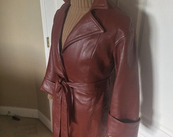 VTG Belted Leather Ladies Trench Coat (Size 10)