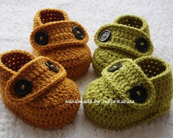 Crochet baby booties, twin set boots, handmade crocheted baby shoes, twin's booties, twin's shoes, two pairs of baby loafers, baby shower