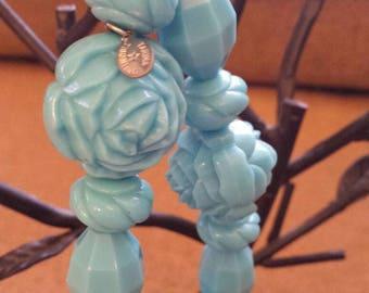 Original Trina Tarantino teal roses and gems beaded stretch bracelet
