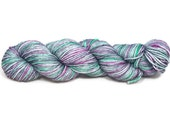 Hand Dyed Yarn 'Peacock' - Worsted Weight Hand Painted Tonal/Varigated Yarn - 100g/218yd of Merino Superwash 4Ply Yarn