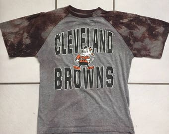 Cleveland Browns Bleached  T Shirt / Bleach Distressed Cleveland Browns T Shirt Size Medium