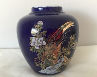 Vintage ceramic  beautiful Chinese vase from 1980's