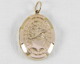 Antique Victorian 9ct  Gold Hand Engraved Oval Locket. Circa 1880-1900