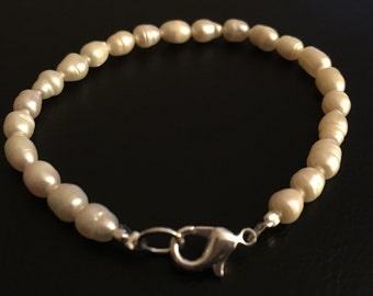 Charleston Rice Pearl Bracelet