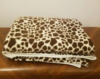 Large Anti-Pill Fleece Giraffe Throw Blanket