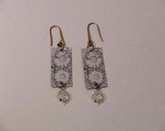 Earrings pendant flowers, daisies, violets