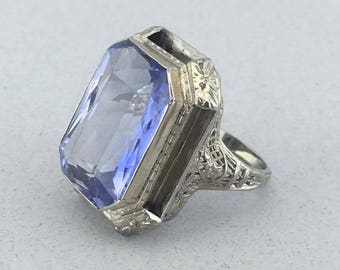 Beautiful Art Deco 18k White Gold Filigree and Amethyst Ring! Size 6!