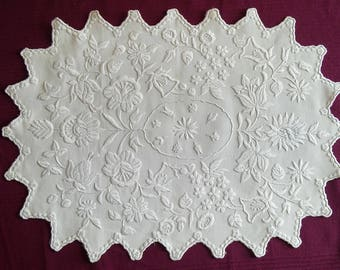 Beautiful Hungarian hand embroidered Kalocsai white floral white linen table runner