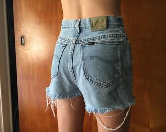 Vintage Lee Highwaisted Shorts (Women's 28)