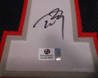 Tom Brady signed New England Patriots Jersey/Global