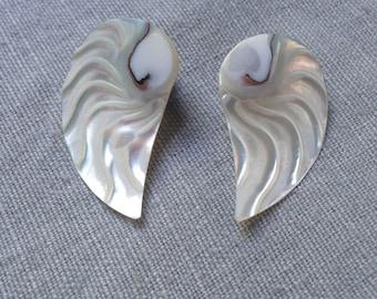 Vintage shell pierced earrings