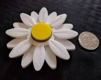 Mini Girly Girl Spinner - Flower Fidget Spinner - Focus Enhancer Stress Reducer Spinning Toy - Daisy, Floral