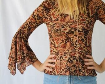 vintage 90's yk2 bell sleeved bohemian top