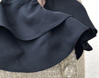 SHORT beige jacket/CHANEL look scandinavian / Sex and the city/nordic/danish design/Piiamay jacket/wool  jacket/pattern/ ladies wear/fashion