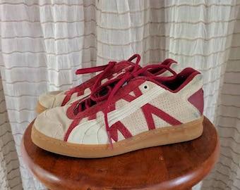 1990's Vintage Puma sneakers/men's 7/women's 8.5/Retro style