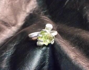sterling silver ring w/rose cut gemstone