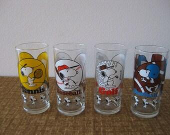 Set of 4 Retro Tumblers Rare 1958 PEANUTS SNOOPY Sports Drinking Glasses
