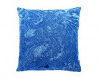 refined velvet pillow Blue Lagoon
