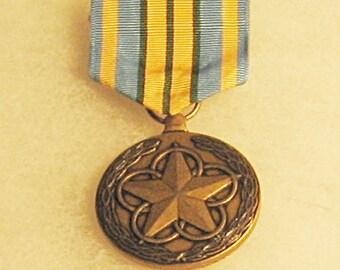 Outstanding Volunteer Service Medal