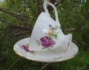 Simply Stylish! Hand crafted, Vintage, Hanging, Teacup/Saucer, Bird Feeder
