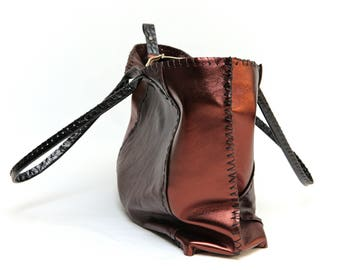 Leather bag in dark brown and metallic brown with zipper- handmade!
