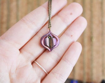 handmade Vulva necklace, vulva pendant, yoni necklace, yoni pendant, vagina necklace, vagina pendant, pussy necklace, collar vulva