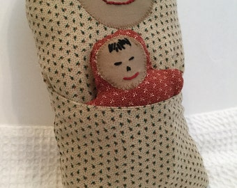 BertleberryBoutique Cultural Cuties Tan and Rust Mama and Baby Pouch Dolls