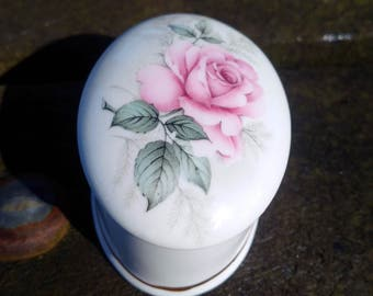 ENGLISH TRINKET ROSE box, delicate Floral Oval Trinket Box, romantic present for her, Love token, ornament, pink rose decor, miniature