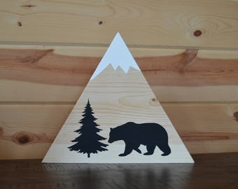 Pine Bear with Tree Mountain Wood Sign Cabin Decoration