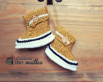 baby soks, boots, shower gift, girl or boy, yelow