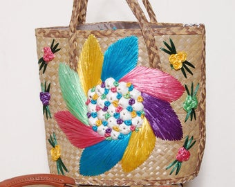 Vintage 60s straw bag / woven beach bag / Nassau souvenir bag / raffia & shell tote bag