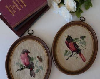 Set of Crossstitched Birds from the 70's - Retro Vintage Unique Nature Brown Beige Red Oval Shaped Shabby Chic Home Decor Wall Decor
