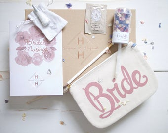 Engaged bride-to-be gift box