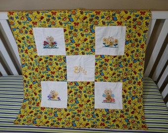 Receiving baby blanket with a bugs theme