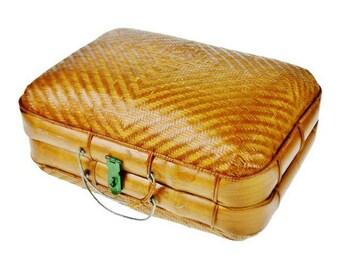 Early Japanese Bamboo Bento Traveling Lunch Box Basket